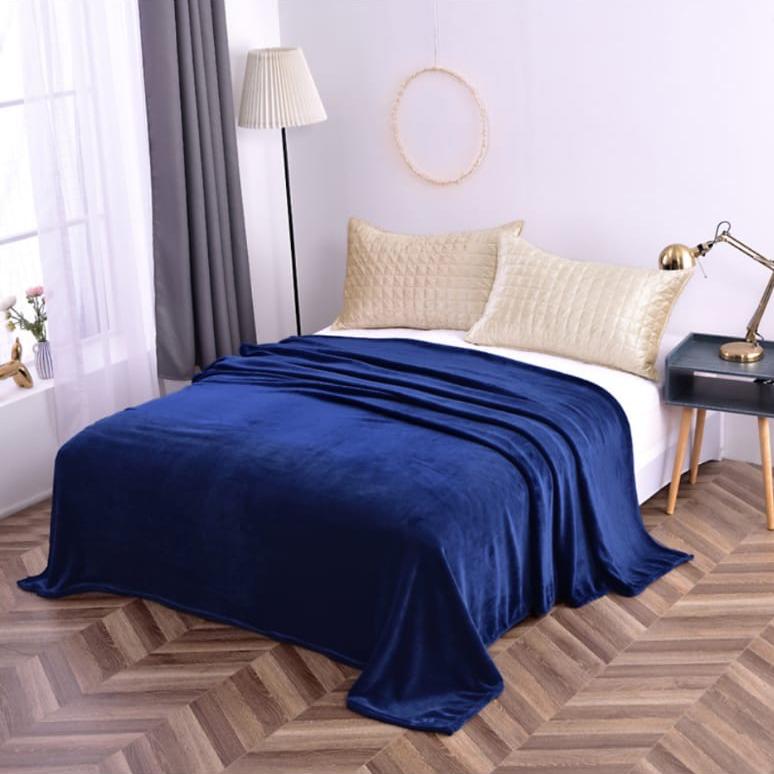 Hrejivá deka Homa vhodná pre alergikov tmavo modrá - 150 x 200cm - Modrá tmavá